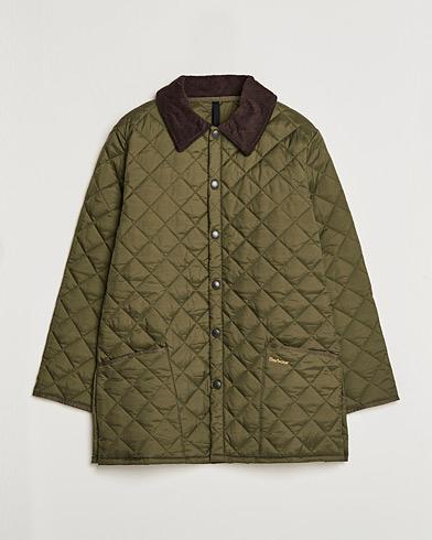 Barbour Lifestyle Classic Liddesdale Jacket Olive i gruppen Kläder / Jackor / Quiltade jackor hos Care of Carl (10004711r)