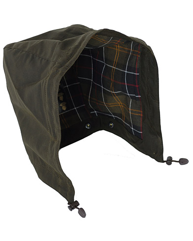 Barbour Lifestyle Classic Sylkoil Hood Olive i gruppen Accessoarer hos Care of Carl (10005610)