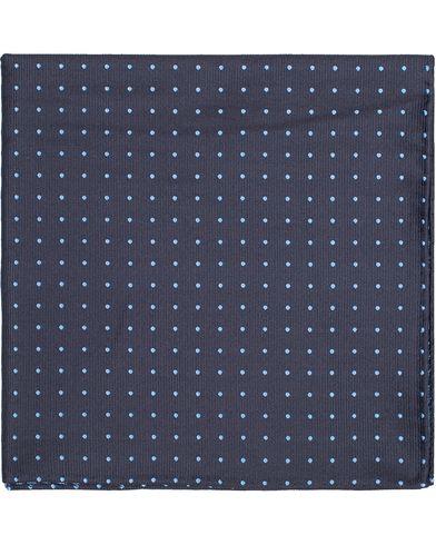Amanda Christensen Handkerchief Dot Navy/Sky  i gruppen Tilbehør / Lommeklude hos Care of Carl (10095810)