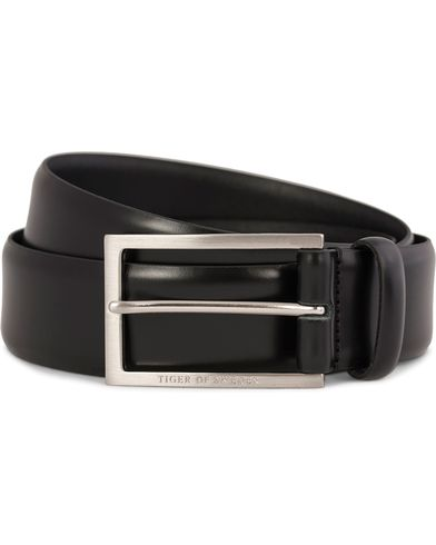 Tiger of Sweden Leopold Leather Suit Belt 3,5 cm Black i gruppen Tilbehør / Bælter / Blanke bælter hos Care of Carl (10214111r)
