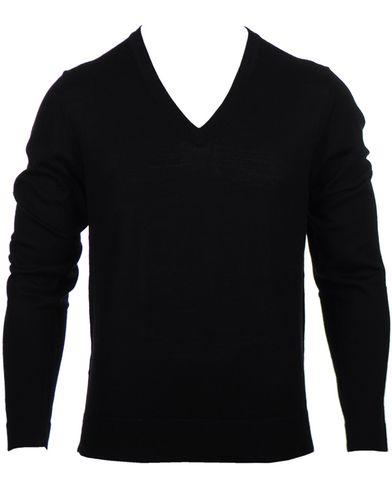 Filippa K Fine Merino V-Neck Pullover Black i gruppen Tröjor / Pullovers / V-ringade pullovers hos Care of Carl (10226811r)