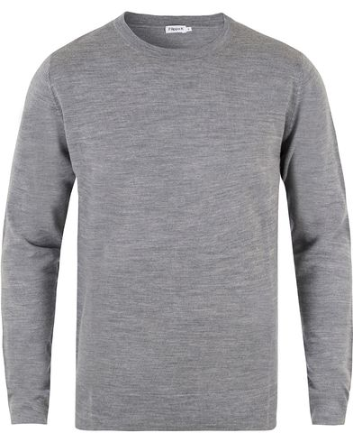 Filippa K Fine Merino R-Neck Pullover Grey Melange i gruppen Klær / Gensere / Pullovere rund hals hos Care of Carl (10227211r)
