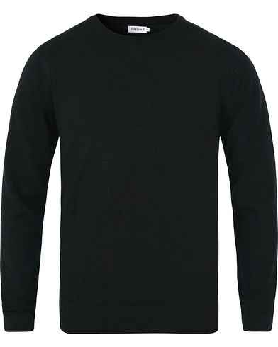 Filippa K Fine Merino R-Neck Pullover Black i gruppen Klær / Gensere / Pullover / Pullovere rund hals hos Care of Carl (10227411r)