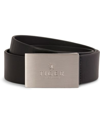 Tiger of Sweden Tito Leather Logo Belt 4 cm Black i gruppen Accessoarer / B�lten hos Care of Carl (10229511r)