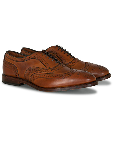 Allen Edmonds McAllister Brogue Walnut i gruppen Design A / Sko / Brogues hos Care of Carl (10724511r)