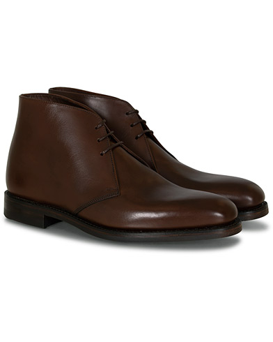 Loake 1880 Pimlico Chukka Boot Dark Brown Calf i gruppen Skor / Kängor / Chukka boots hos Care of Carl (10789411r)