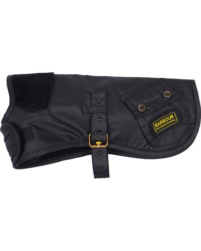 Barbour International Dog Coat Black i gruppen Accessoarer / Livsstil / Till hunden hos Care of Carl (10946611r)