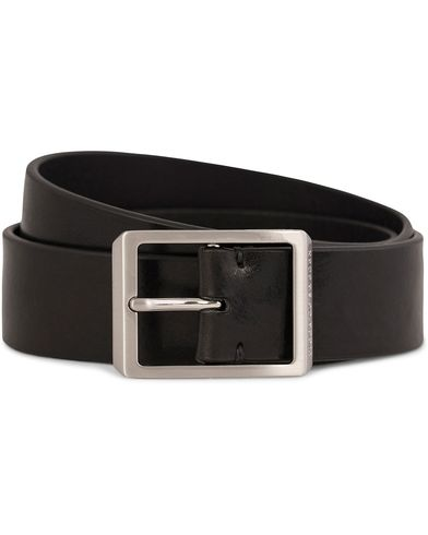 Tiger of Sweden Ivano Leather Chino Belt 3,5 cm Black i gruppen Assesoarer / Belter / Umønstrede belter hos Care of Carl (10964411r)