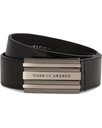 Tiger of Sweden Jonathan Leather Belt 4 cm Stripe Buckle Black i gruppen Assesoarer / Belter / Umønstrede belter hos Care of Carl (10990011r)