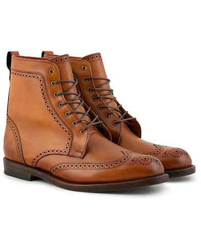 Allen Edmonds Dalton Boot Walnut i gruppen Skor / Kängor / Snörkängor hos Care of Carl (11003311r)