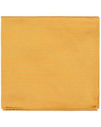 Amanda Christensen Handkercheif Silk Gold  i gruppen Assesoarer / Lommetørklær hos Care of Carl (11010310)