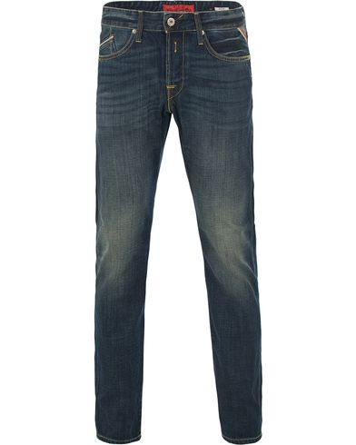 Replay M983 Waitom Jeans Dark Blue i gruppen Klær / Jeans / Rette jeans hos Care of Carl (11101611r)