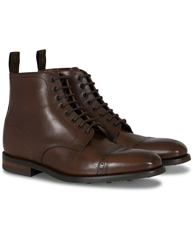 Loake 1880 Hyde Boot Dark Brown i gruppen Skor / Kängor / Snörkängor hos Care of Carl (11235011r)