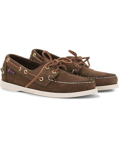 Sebago Docksides Boat Shoe Dark Brown Nubuck i gruppen Sko / Sejlersko hos Care of Carl (11245811r)