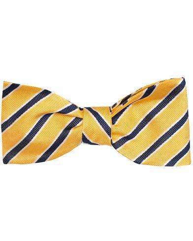 Amanda Christensen Clubstripe Self Tie Silk Yellow/Navy/White  i gruppen Assesoarer / Sl�yfer hos Care of Carl (11311410)