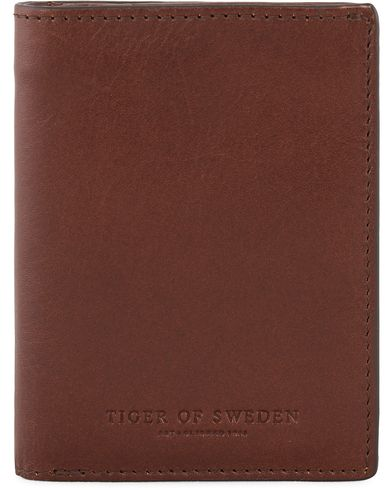 Tiger of Sweden Arrigo 2 Wallet Brown  i gruppen Accessoarer / Plånböcker / Vanliga plånböcker hos Care of Carl (11439110)