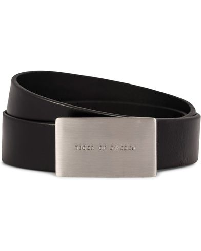 Tiger of Sweden Tsavorite Belt 3 cm Black i gruppen Accessoarer / Bälten / Släta bälten hos Care of Carl (11439711r)