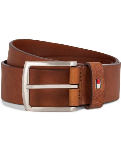 Tommy Hilfiger New Denton Belt 4 cm Dark Tan i gruppen Assesoarer / Belter hos Care of Carl (11444511r)