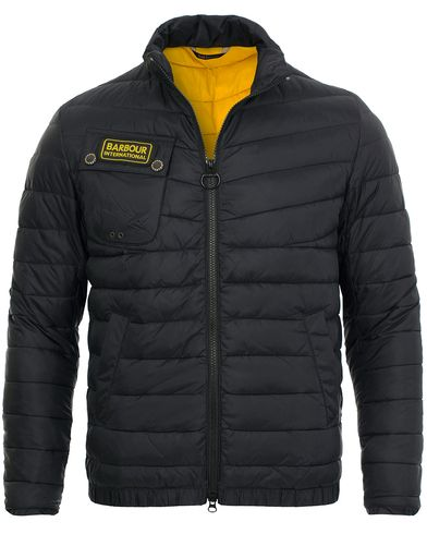 Barbour International Chain Baffle Jacket Black i gruppen Kläder / Jackor / Vadderade jackor hos Care of Carl (11498711r)