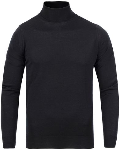 John Smedley Belvoir Roll Neck Black i gruppen Gensere / Pologensere hos Care of Carl (11504611r)