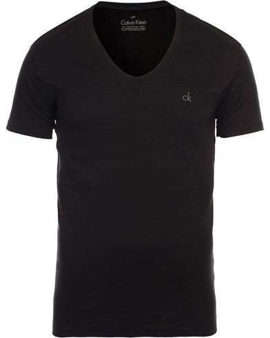 Calvin Klein Liquid Cotton Curv Neck T-Shirt Black i gruppen T-Shirts / Kortärmade t-shirts hos Care of Carl (11553811r)