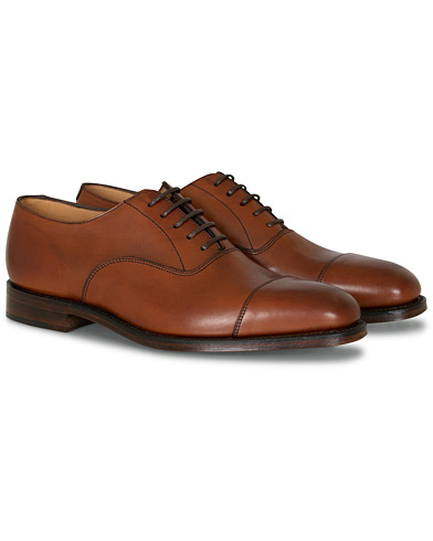 Loake 1880 Aldwych Oxford Mahogany Burnished Calf i gruppen Sko hos Care of Carl (11583811r)