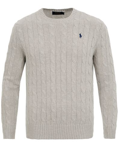 Polo Ralph Lauren Cotton Cable Crew Neck Pullover Light Grey i gruppen Tröjor / Stickade tröjor hos Care of Carl (11594011r)