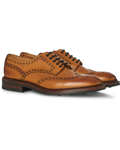 Loake 1880 Chester Dainite Brogue Tan Burnished Calf i gruppen Sko / Brogues hos Care of Carl (11613511r)