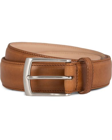 Loake 1880 Henry Leather Belt Tan i gruppen Assesoarer / Belter / Umønstrede belter hos Care of Carl (11632011r)