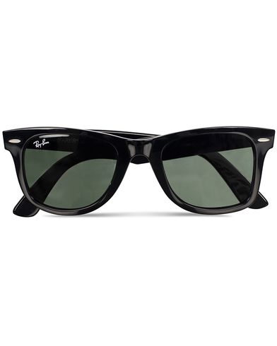Ray-Ban Original Wayfarer Sunglasses Black/Crystal Green  i gruppen Tilbehør / Solbriller / Buede solbriller hos Care of Carl (11948510)