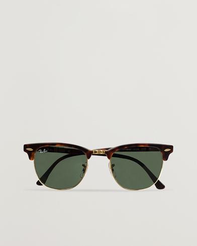 Ray-Ban Clubmaster Sunglasses Mock Tortoise/Crystal Green  i gruppen Tilbehør / Solbriller / Buede solbriller hos Care of Carl (11949010)