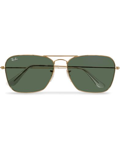 Ray-Ban RB3136 Caravan Sunglasses Arista/Crystal Green i gruppen Accessoarer / Solglasögon / Fyrkantiga solglasögon hos Care of Carl (11949610)