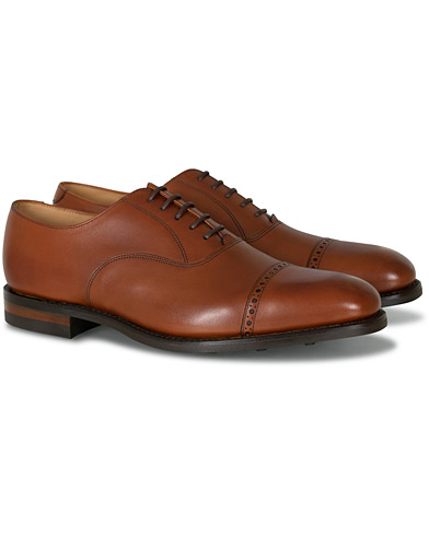 Loake 1880 Cadogan Oxford Mahogany Calf i gruppen Skor / Oxfords hos Care of Carl (12003011r)