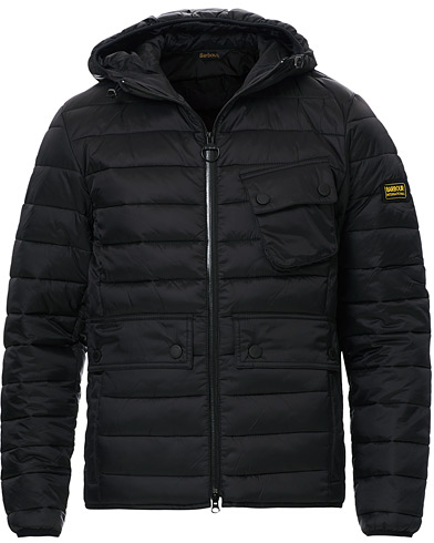 Barbour International Ouston Hooded Quilt Jacket Black i gruppen Klær / Jakker / Vatterte jakker hos Care of Carl (12016211r)