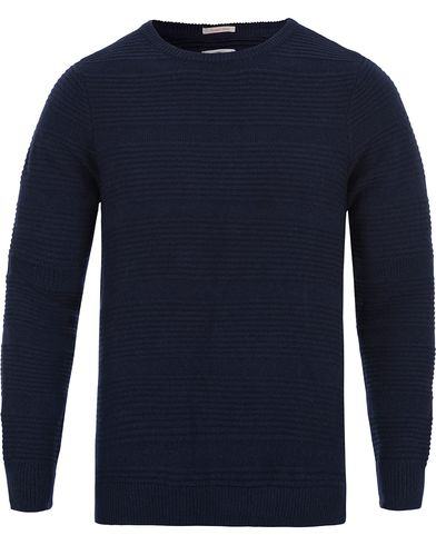 GANT Rugger Corded Barstripe Knit Evening Blue i gruppen Klær / Gensere / Strikkede gensere hos Care of Carl (12046511r)