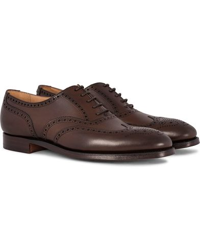 Crockett & Jones Finsbury Brogue Dark Brown Calf i gruppen Skor / Brogues hos Care of Carl (12050111r)