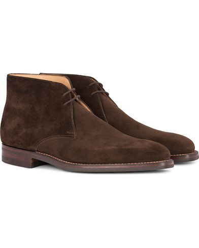 Crockett & Jones Tetbury Chukka Dark Brown Suede i gruppen Sko / Støvler / Chukka støvler hos Care of Carl (12050511r)