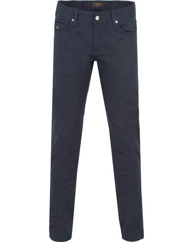 J.Lindeberg Jay Satin Jeans Dark Navy i gruppen Jeans / Smale Jeans hos Care of Carl (12084311r)