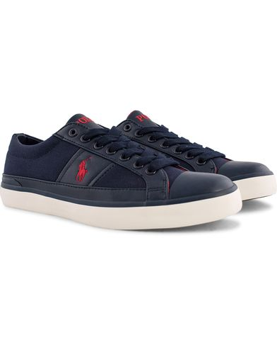 Polo Ralph Lauren Churston Canvas Sneaker Newport Navy i gruppen Skor / Sneakers hos Care of Carl (12158511r)