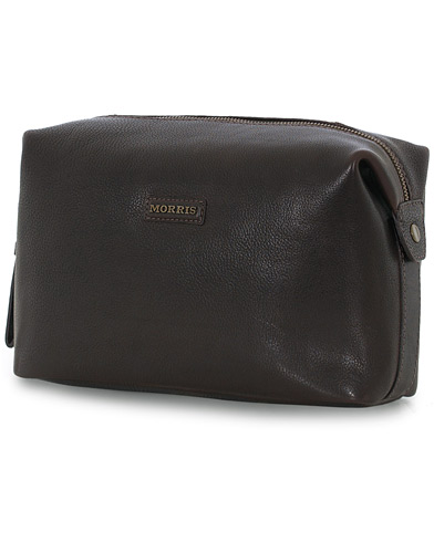 Morris Leather Washbag Dark Brown  i gruppen Assesoarer / Vesker / Toalettmapper hos Care of Carl (12214310)