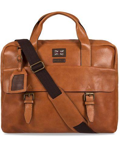 Morris Leather Briefcase Cognac  i gruppen Accessoarer / Väskor / Portföljer hos Care of Carl (12214810)