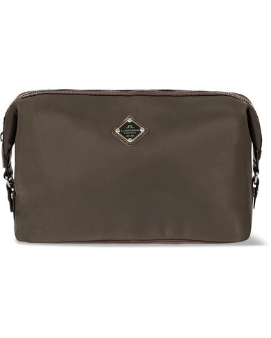 J.Lindeberg S-Washbag Leather/Nylon Military Green i gruppen Väskor / Necessärer hos Care of Carl (12218210)