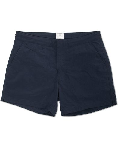 Sunspel Swim Shorts Navy i gruppen Badbyxor hos Care of Carl (12246611r)