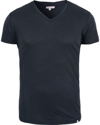 Orlebar Brown OB V-Neck Tee Navy i gruppen T-Shirts / Kortermede t-shirts hos Care of Carl (12283011r)