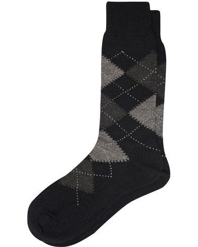 Pantherella Racton Argyle Merino/Nylon Sock Black i gruppen Kläder / Underkläder / Strumpor / Vanliga strumpor hos Care of Carl (12286811r)