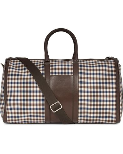 Aquascutum Club Check Holdall Bag Brown  i gruppen Väskor / Weekendbags hos Care of Carl (12293410)
