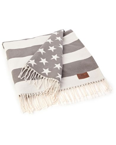 Lexington Home Flag Throw White/Grey  i gruppen Julklappstips / Till hemmet hos Care of Carl (12304410)