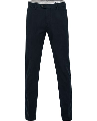 NN07 Theo Trousers Navy i gruppen Byxor / Chinos hos Care of Carl (12404811r)