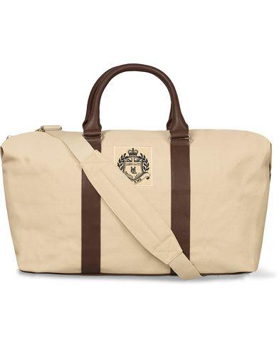 Henri Lloyd Hayton Weekender Sandstone  i gruppen Väskor / Weekendbags hos Care of Carl (12458410)