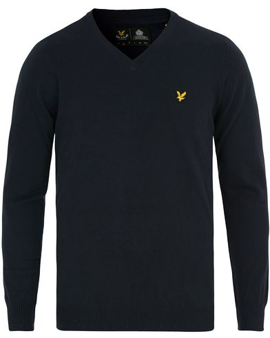 Lyle & Scott V Neck Cotton Merino Navy i gruppen Klær / Gensere / Pullover / Pullovers v-hals hos Care of Carl (12472511r)